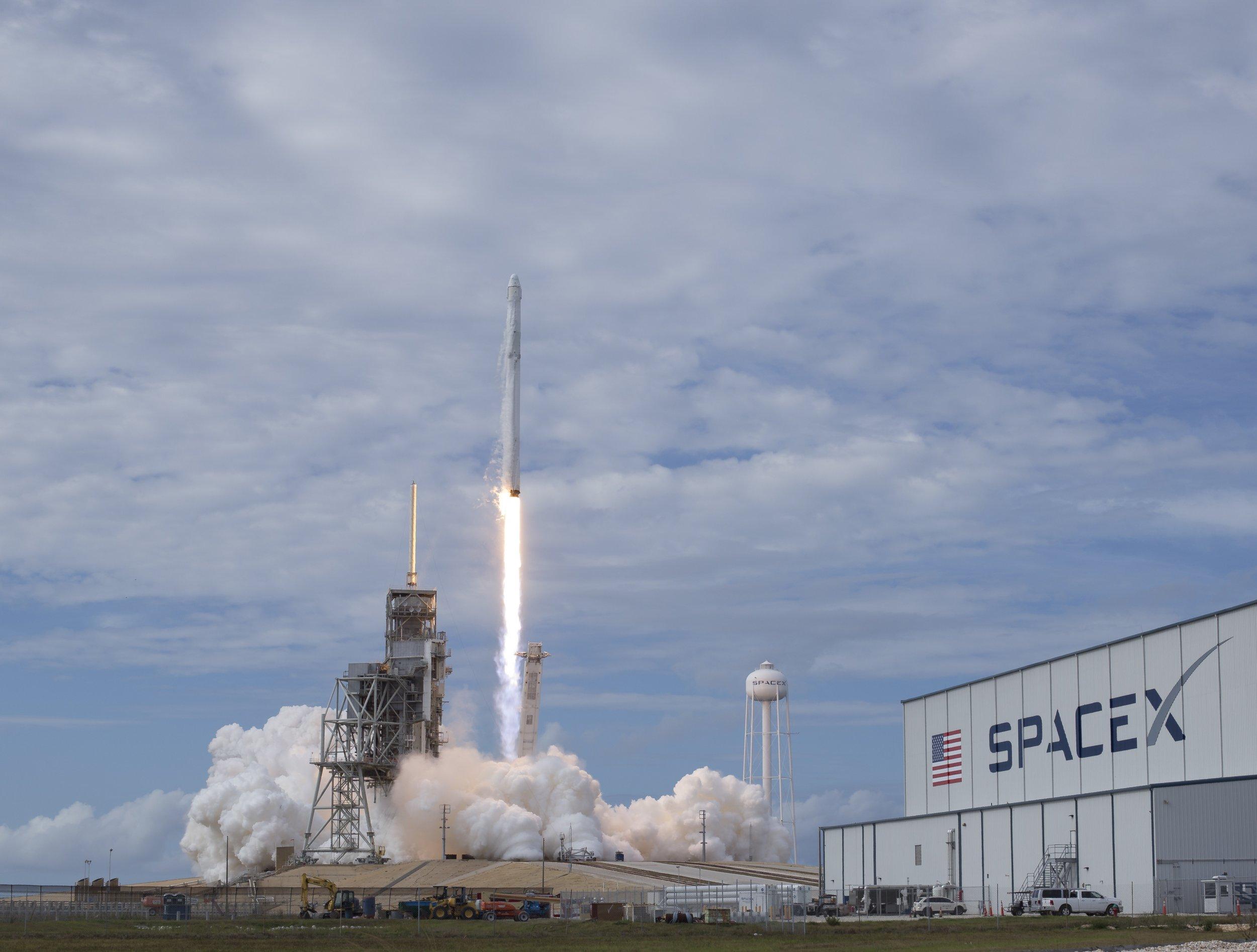 1_13_SpaceX Dragon