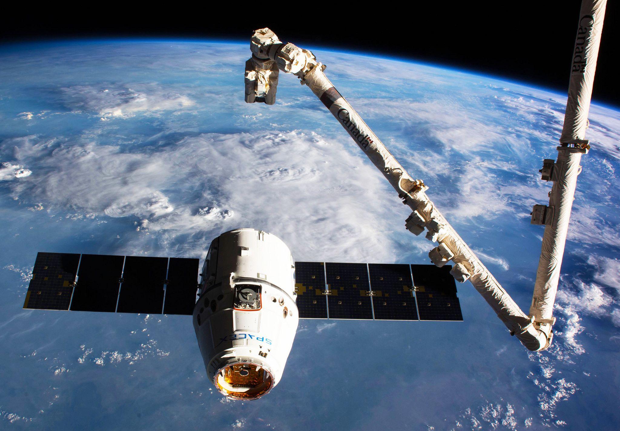 International Space Station Spacex Dragon Brings 4 100