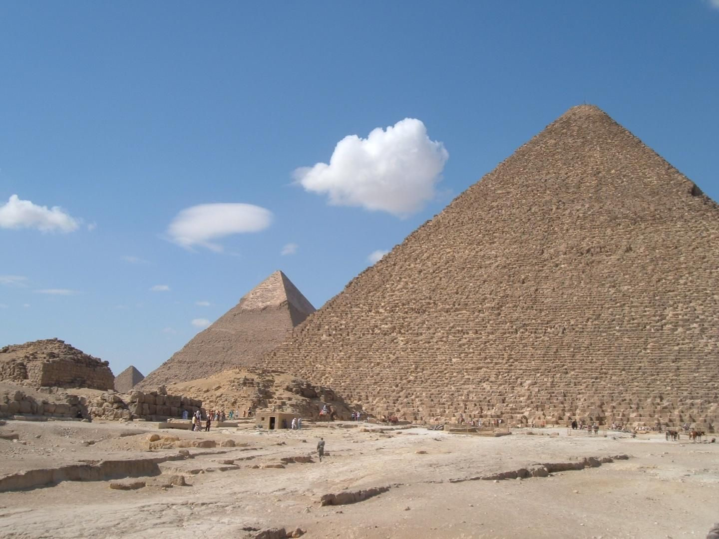 Great pyramid void may contain mysterious throne carved from