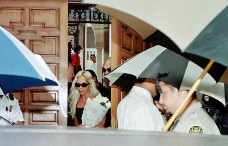 Donatella Versace leaves Gianni's home after his death