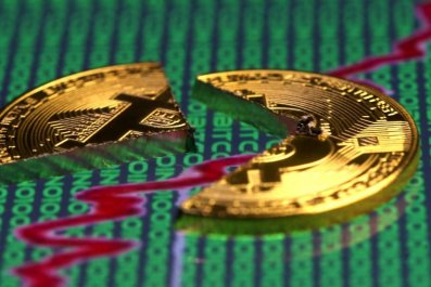 bitcoin price crash hold sell cryptocurrency