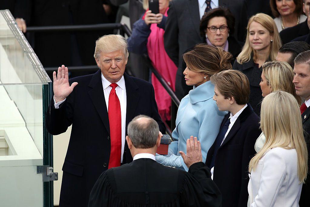 11718_Trump_Inauguration_Oath