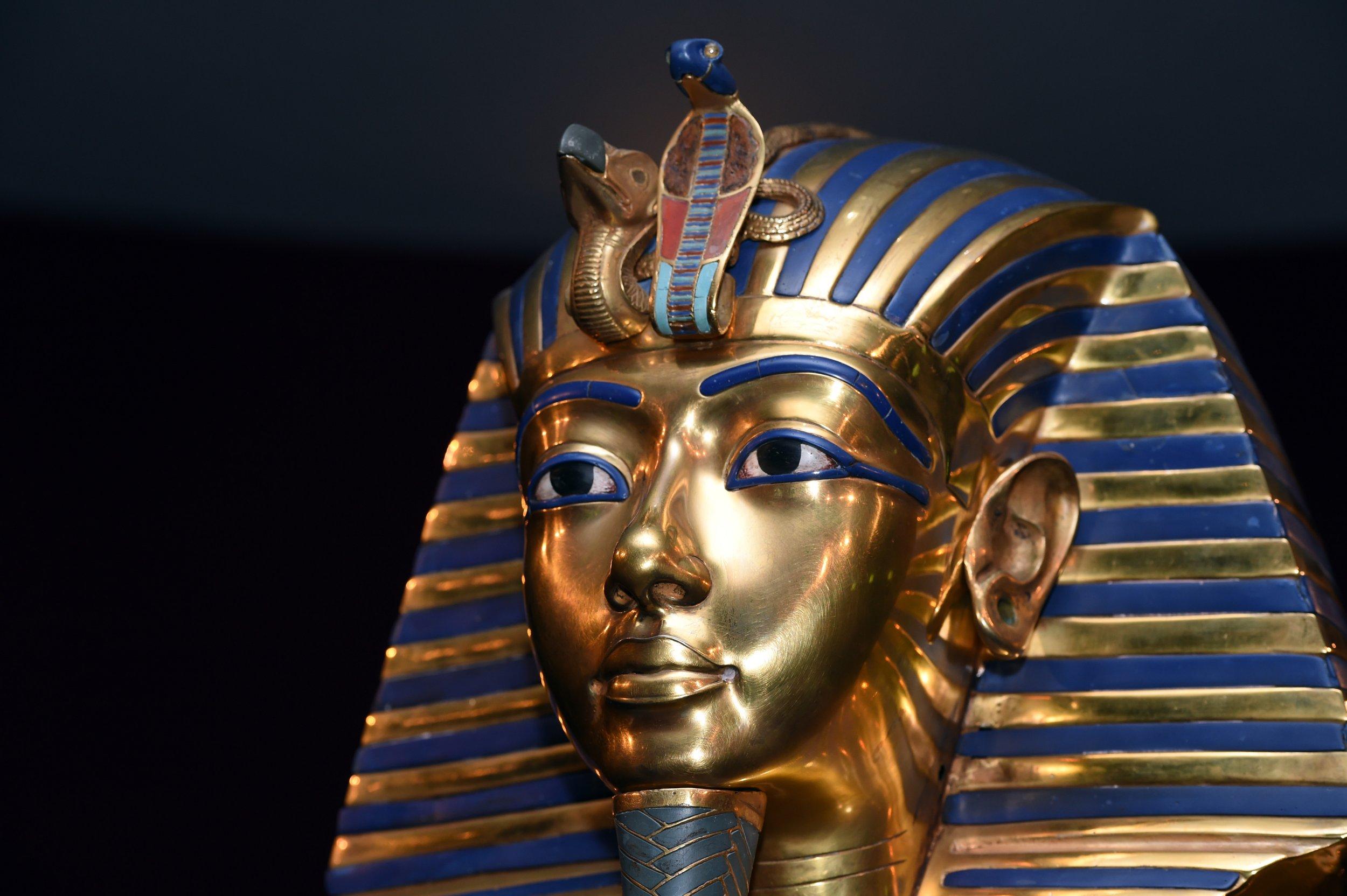 01_18_Tutankhamun