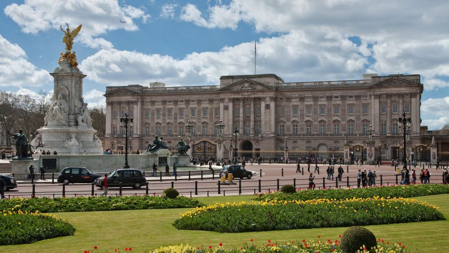 Buckingham_Palace_Photo by DAVID ILIFF_web