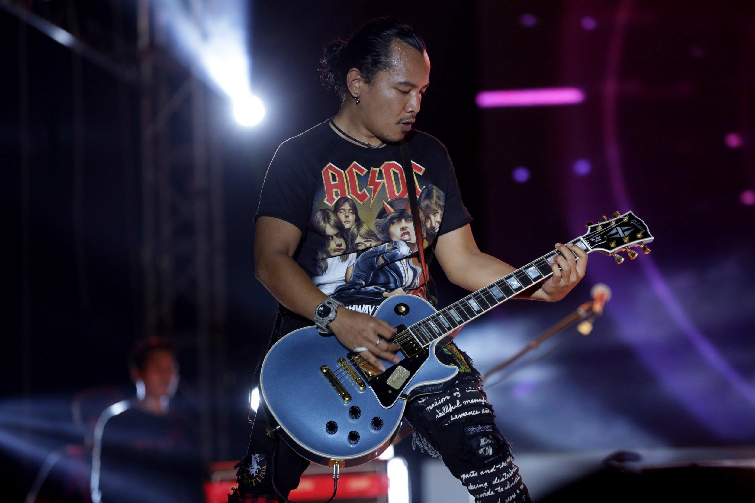 01_19_rock