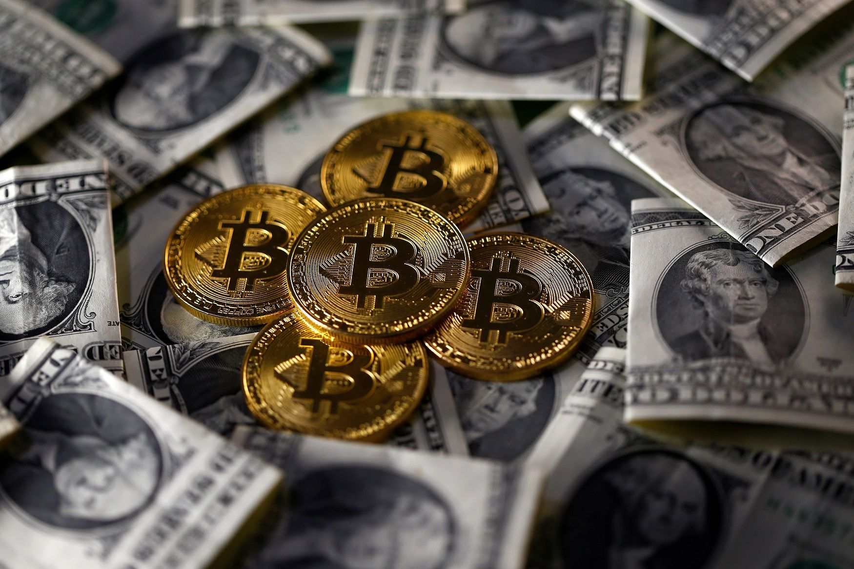 cryptocurrency ponzi scheme bitcoin lawsuit