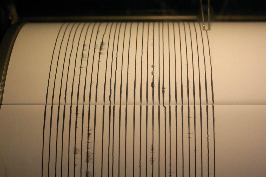 01_19_seismograph_earthquake