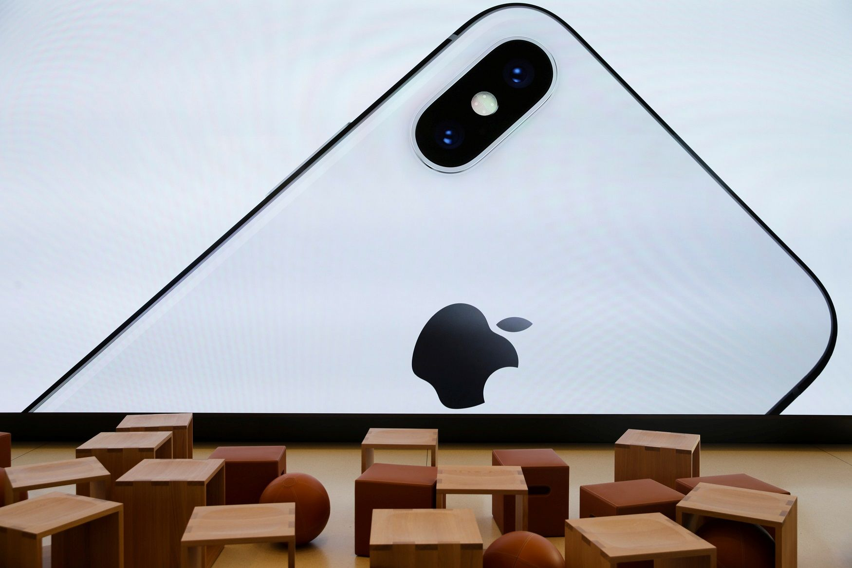 Apple cancel iPhone X sales