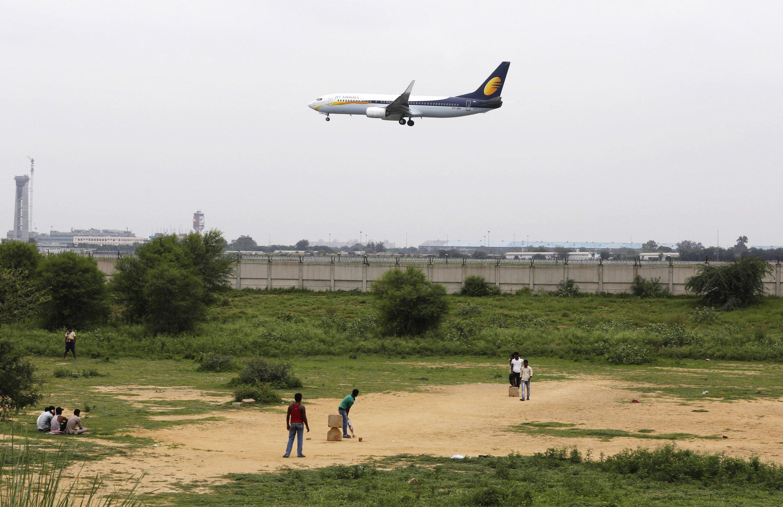 01_22_plane_india