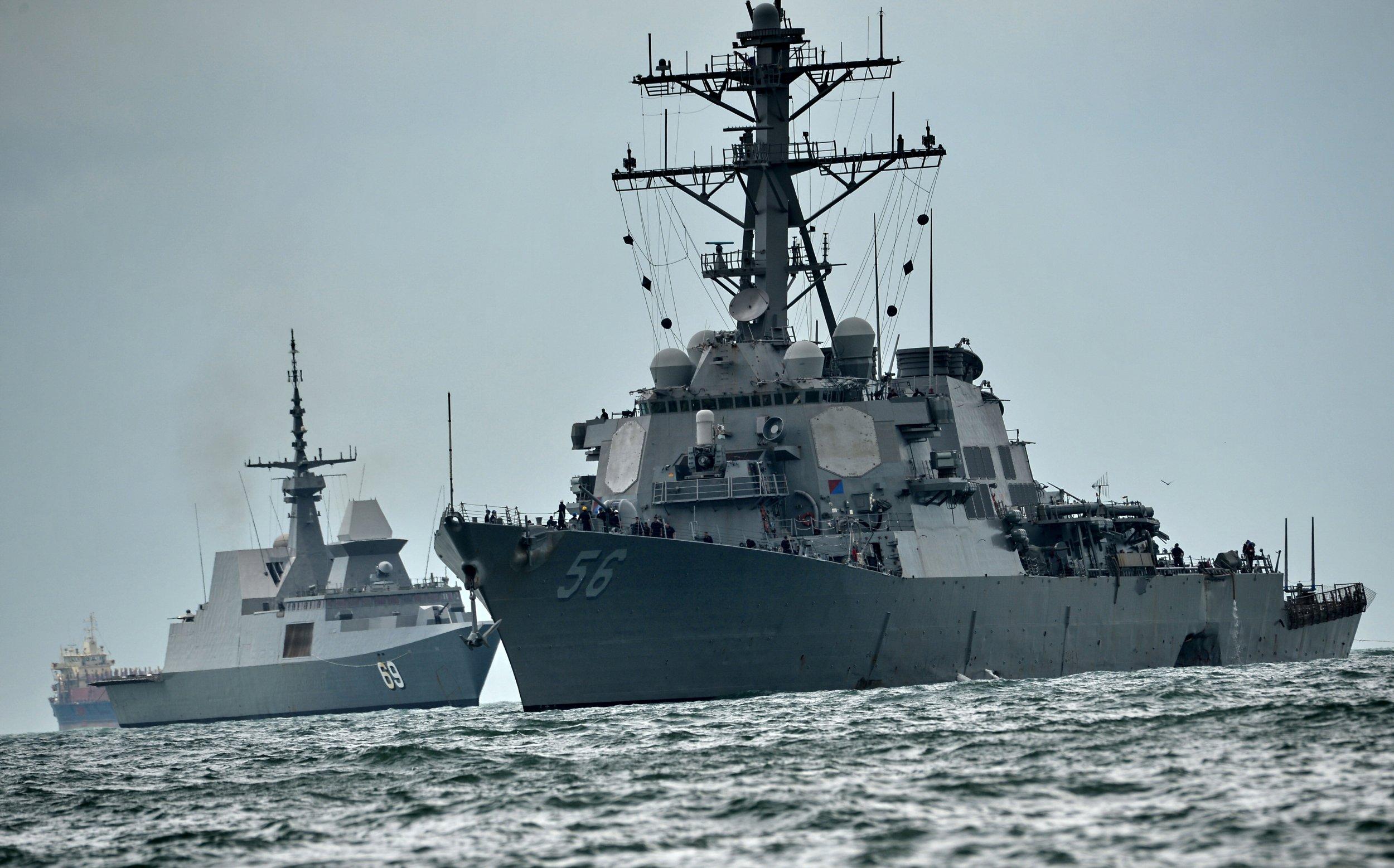 USS_John_McCain_Missile_Destroyer