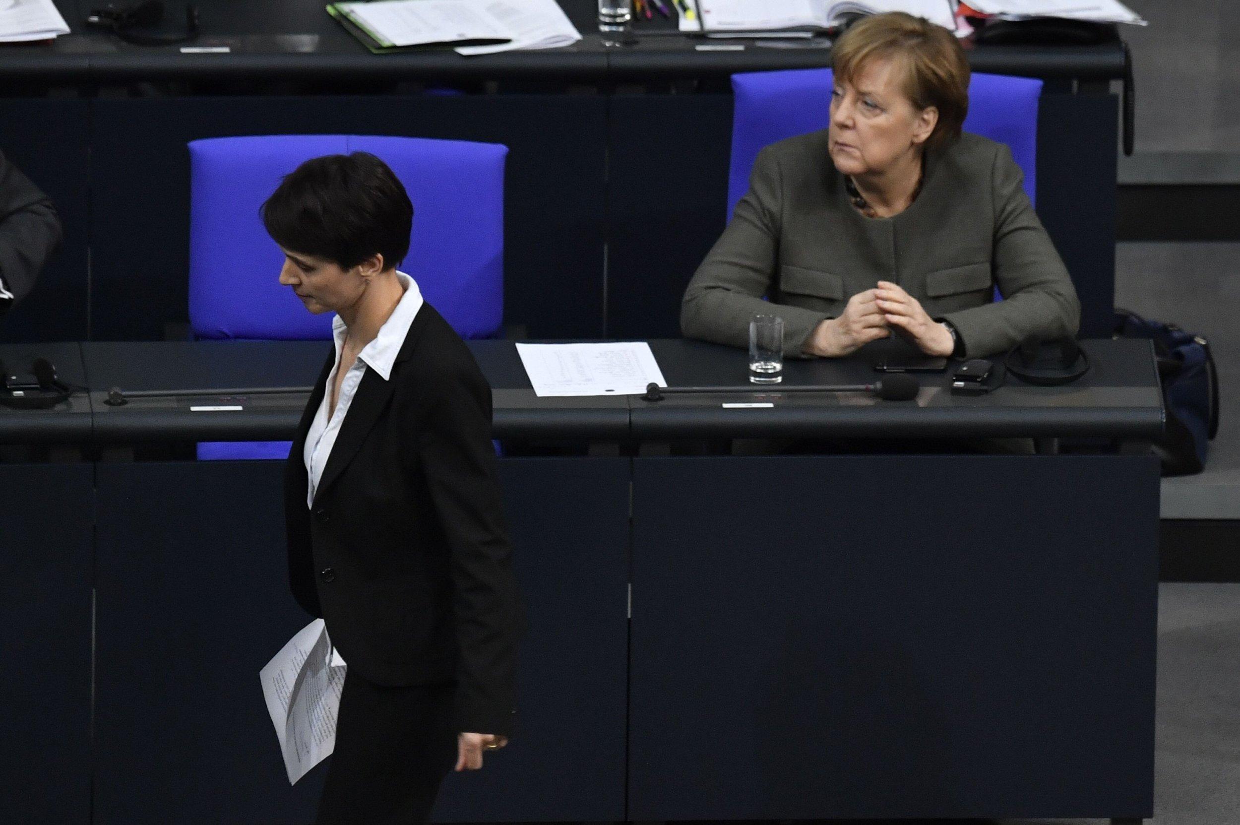 01_24_Merkel_Petry