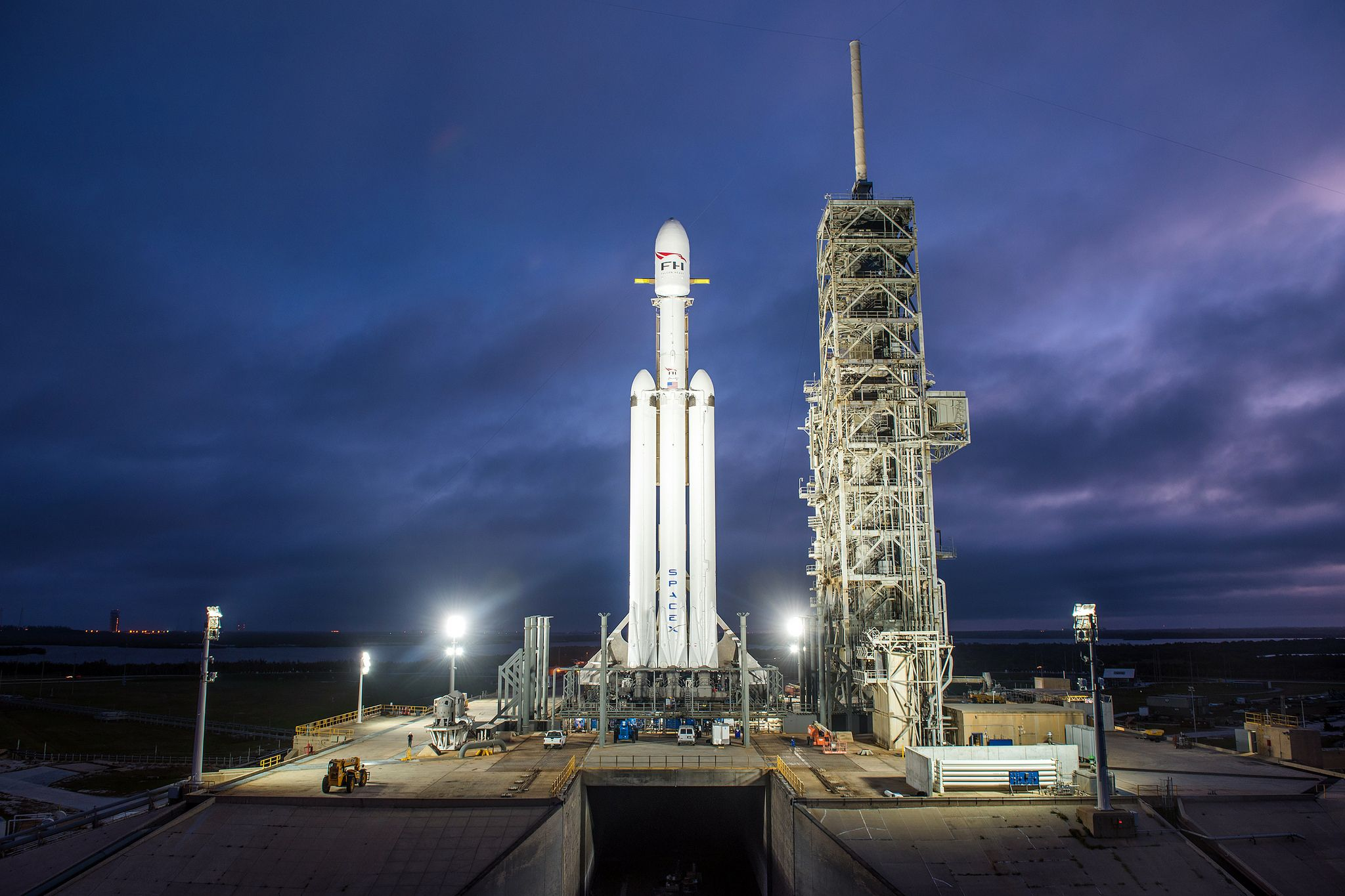 Elon Musk: SpaceX Falcon Heavy Rocket Set to Launch in a Week After Successful Test