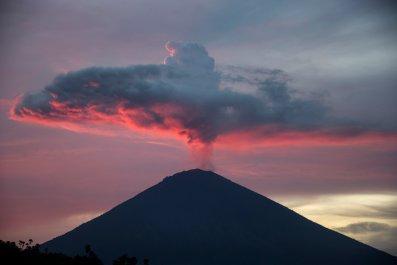 01_25_Mount_Agung