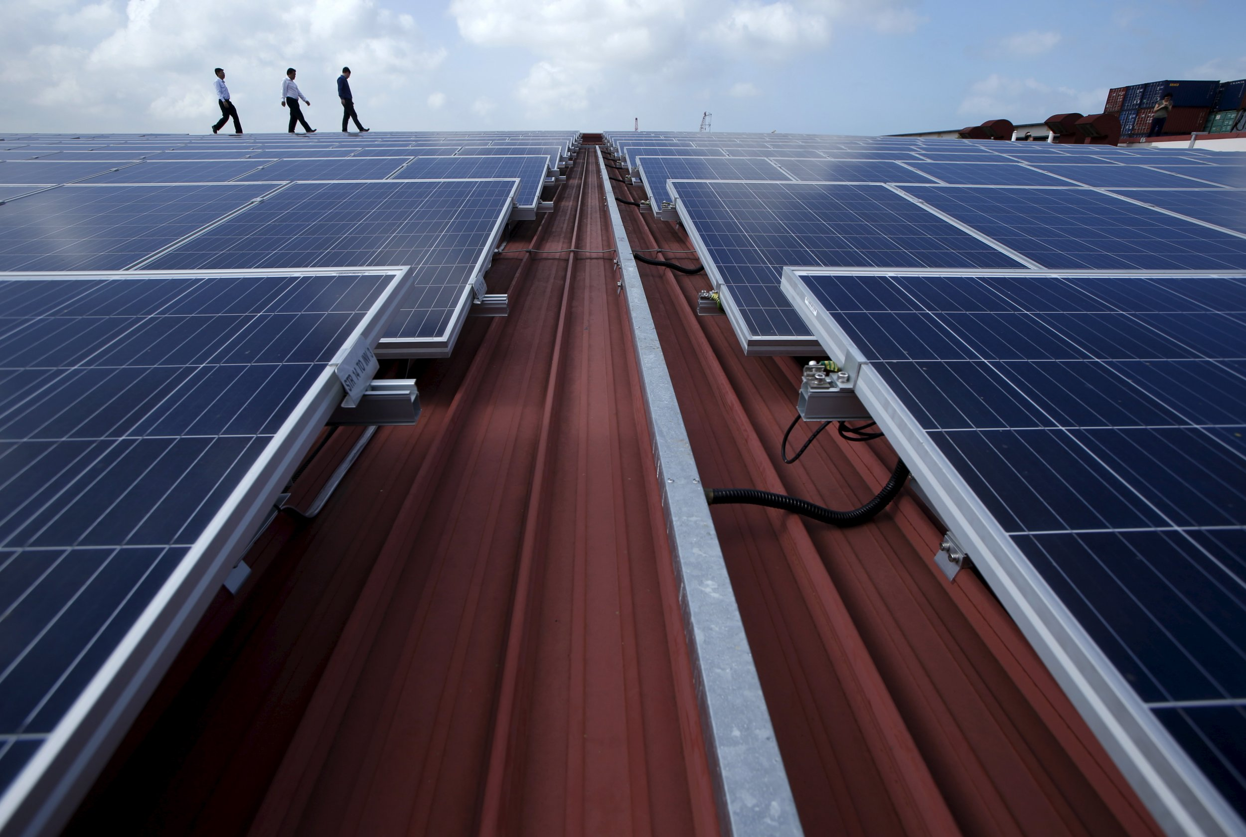 Backwards Physics Experiment Could Help Solar Panels Of