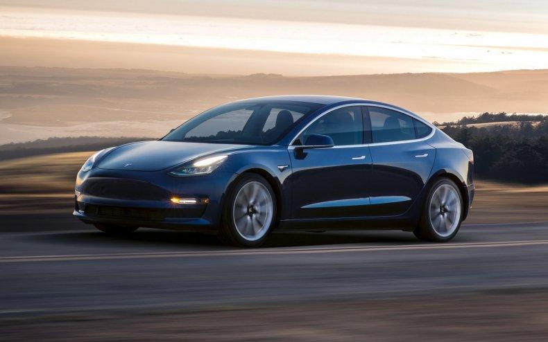 Tesla model 3 delays battery