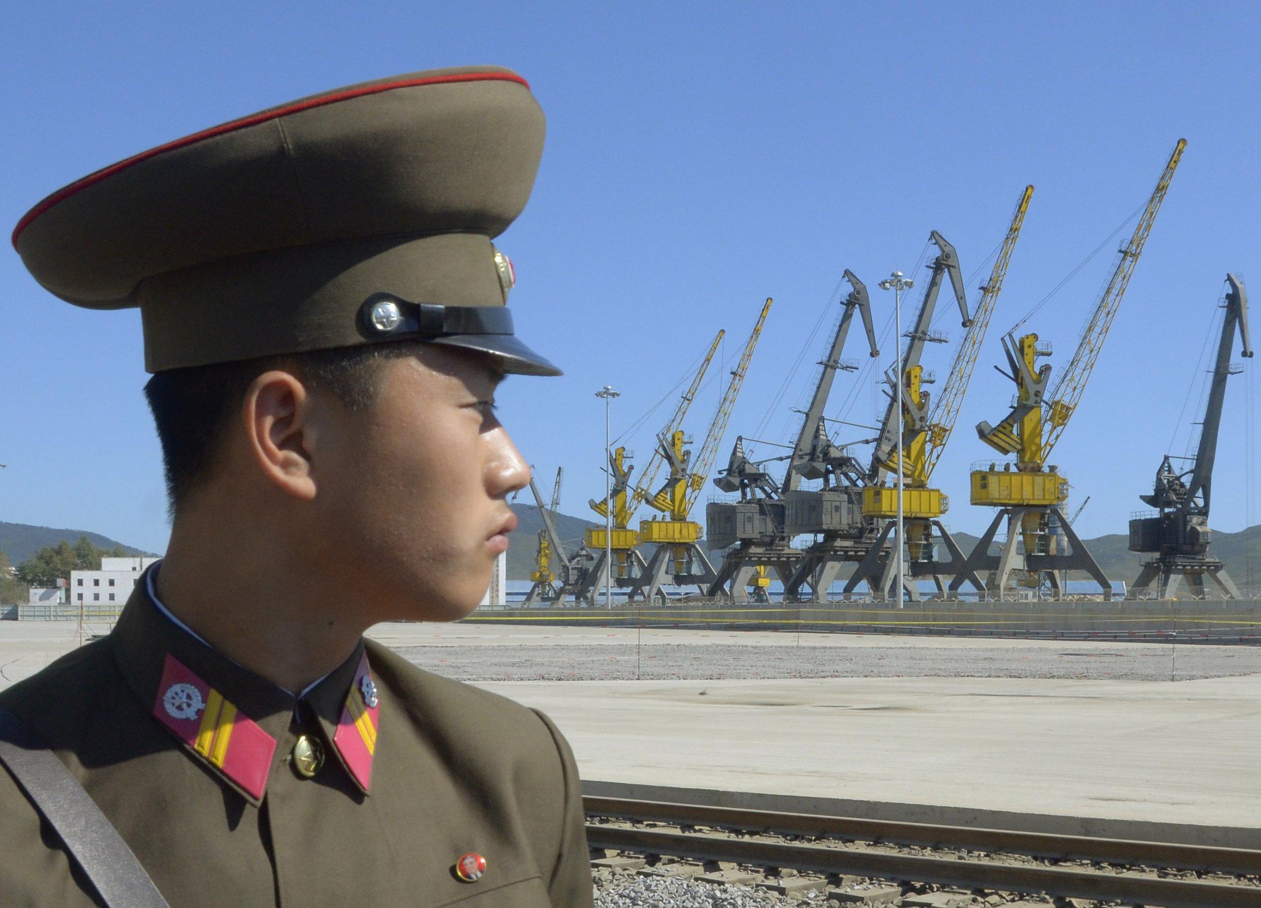 01_28_North_Korea_soldier
