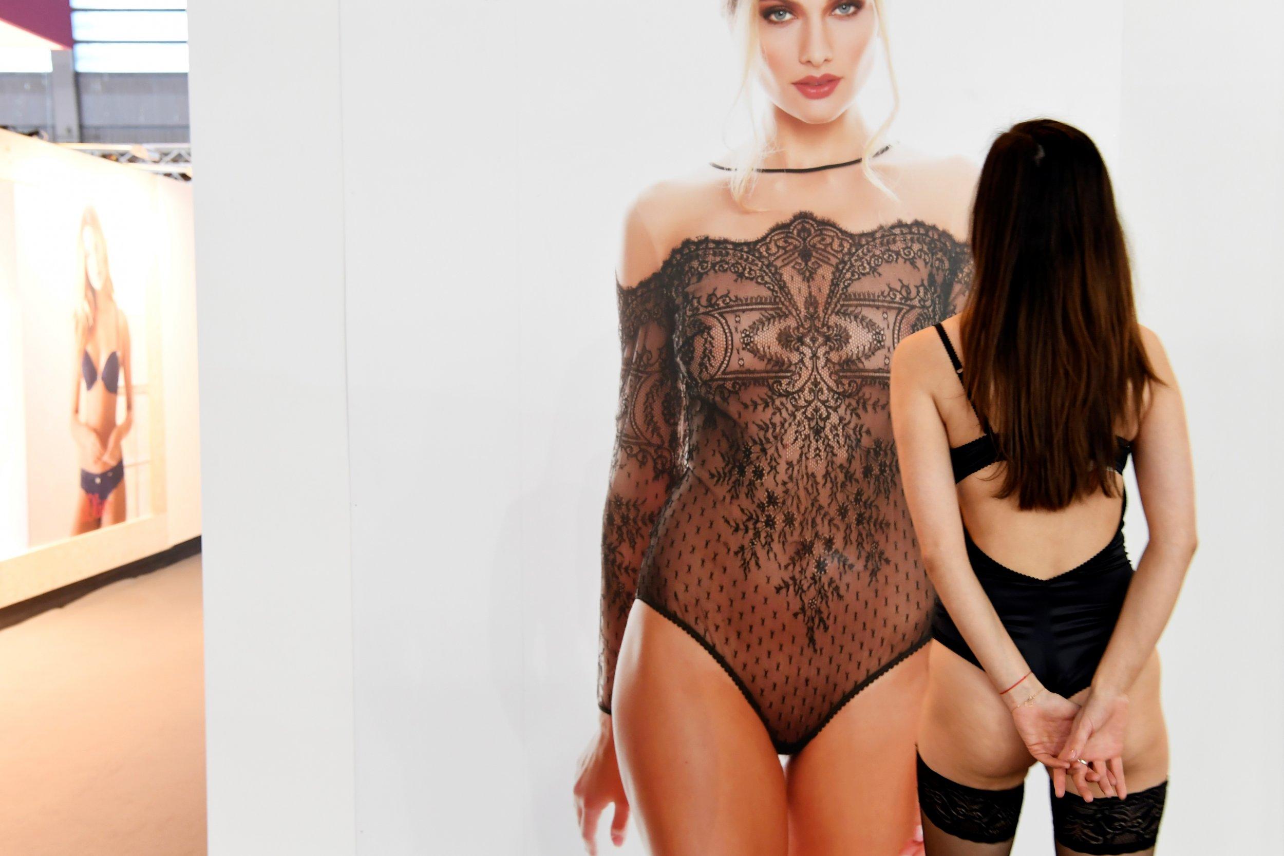 01_26_lingerie