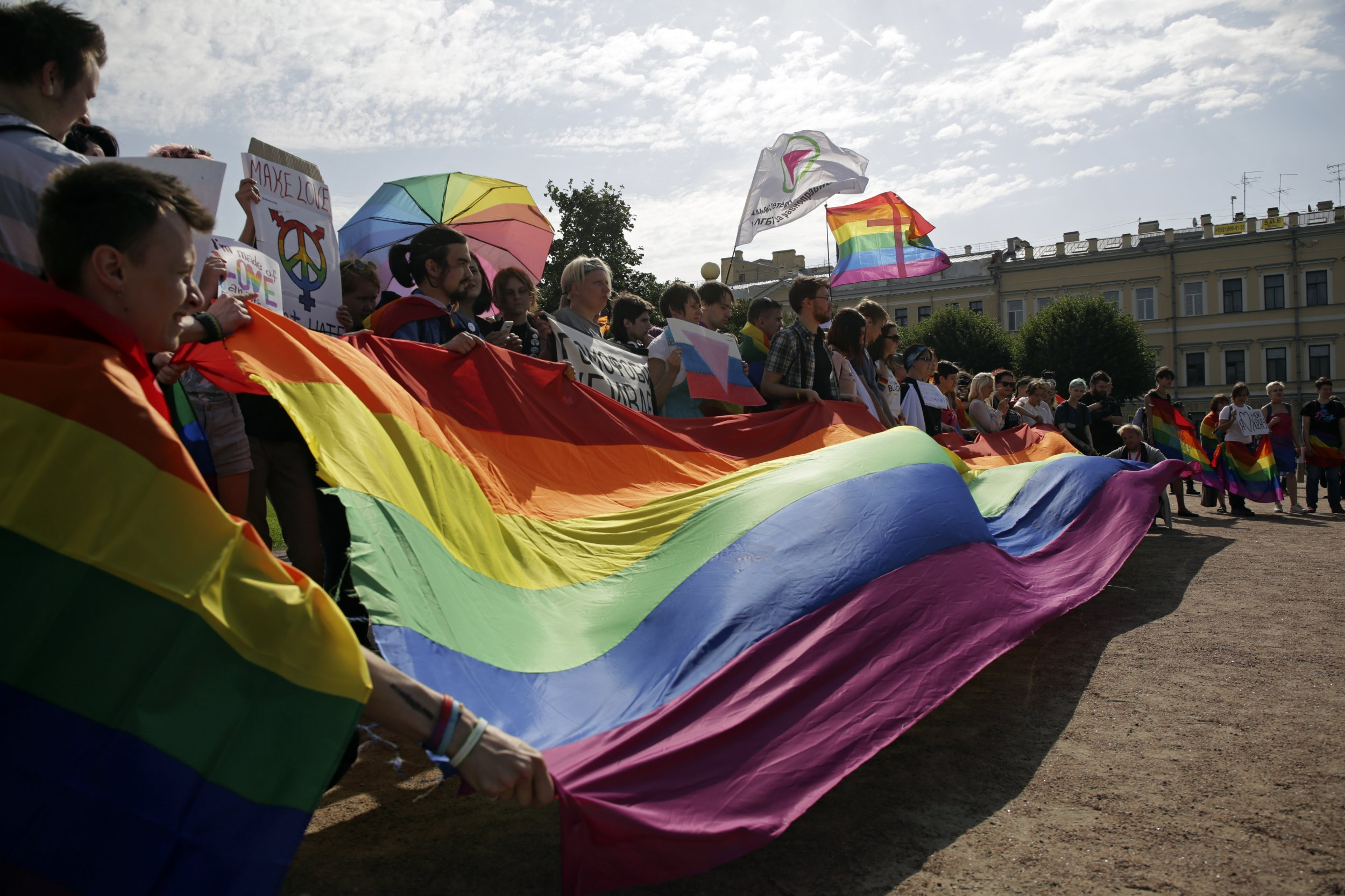 Russia_Recognises_Gay_Marriage