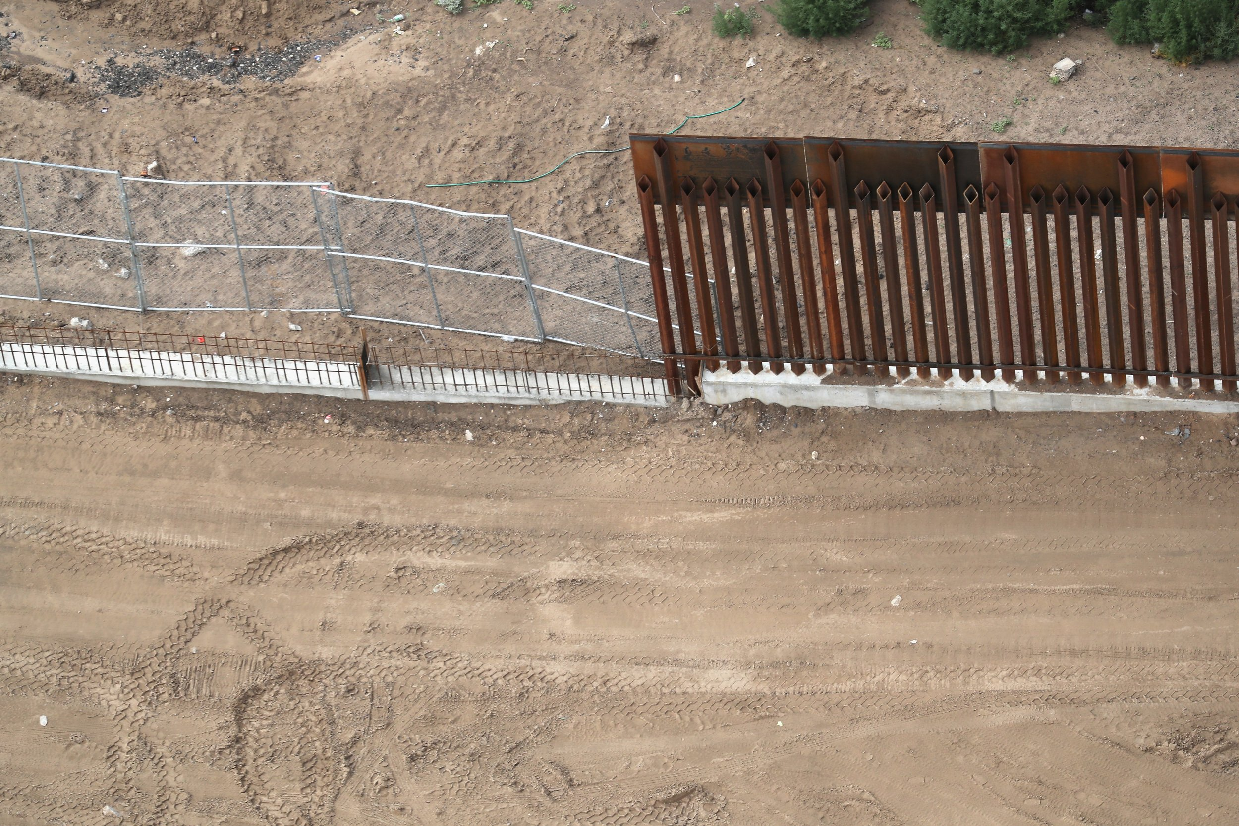 1_28-Mexico border wall