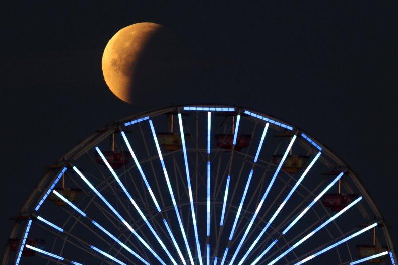 1_31_Super Blue Blood Moon Santa Monica Pier