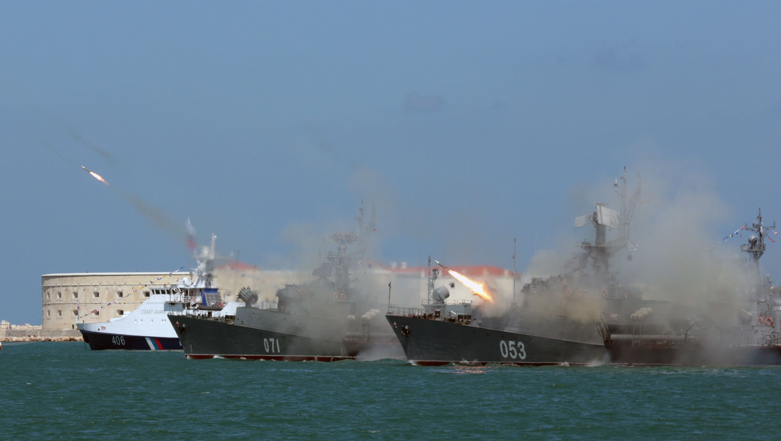 02_01_Russian_frigate