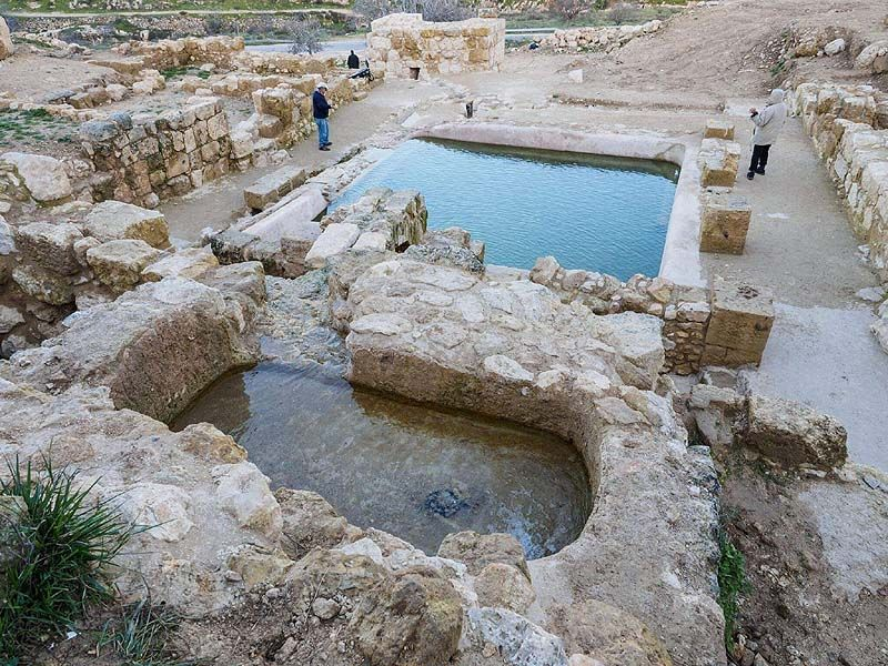 Site-of-Ein-Hanniya-exposed-by-Israel-Antiquities-Authority-Conservation-Administration