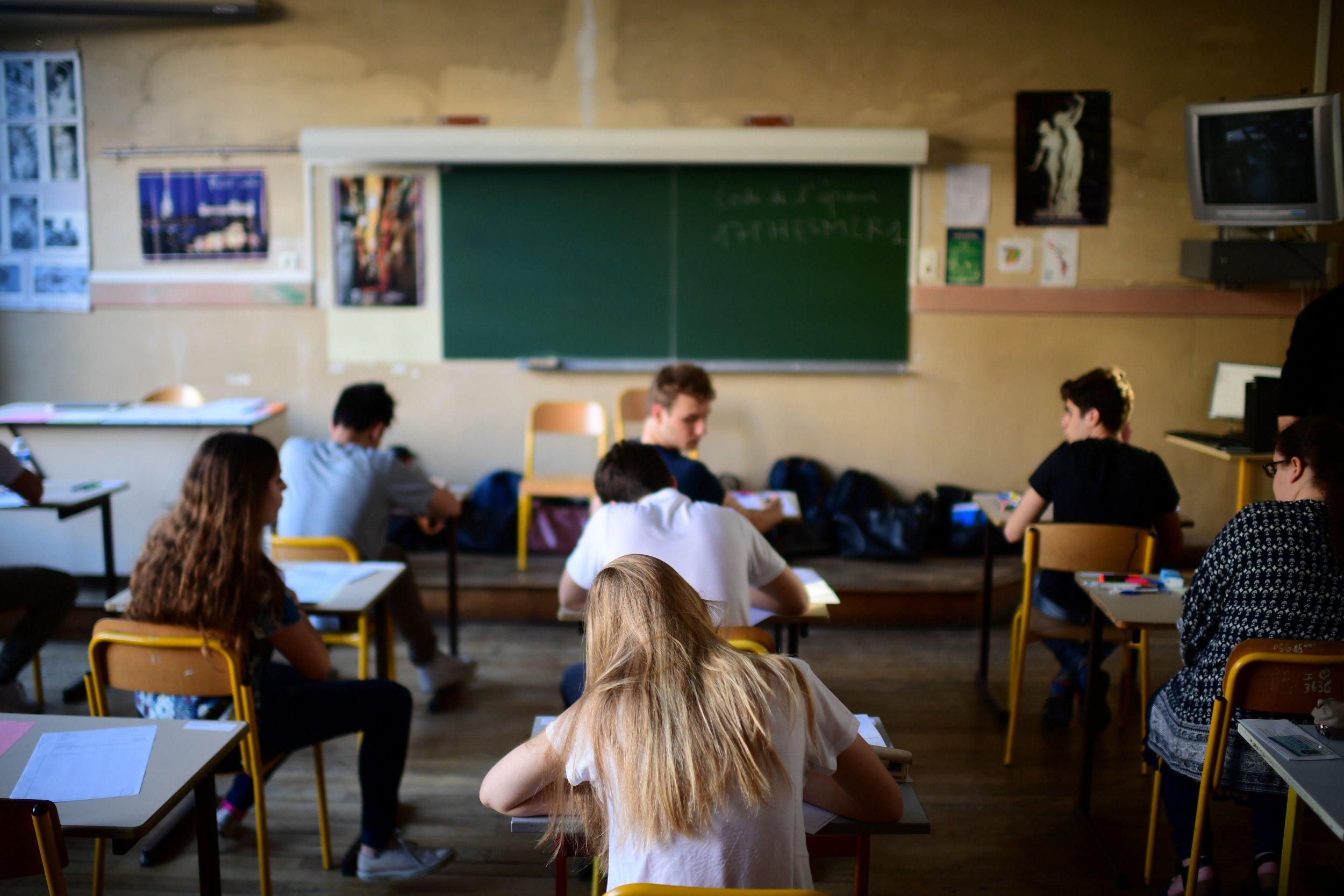 01_Classroom_01