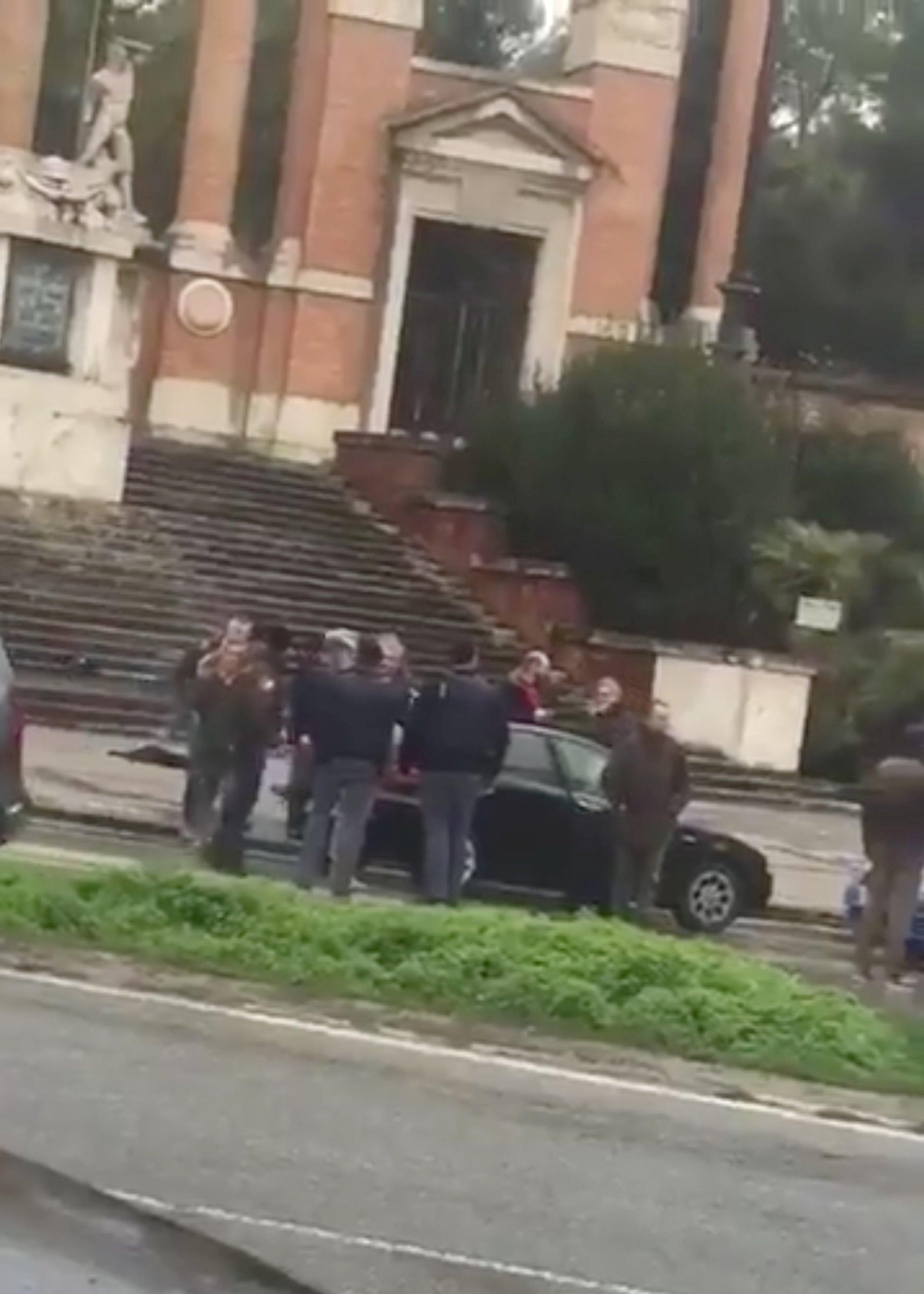 2018-02-03T132049Z_1_LYNXMPEE1206H_RTROPTP_4_ITALY-SHOOTING-MACERATA