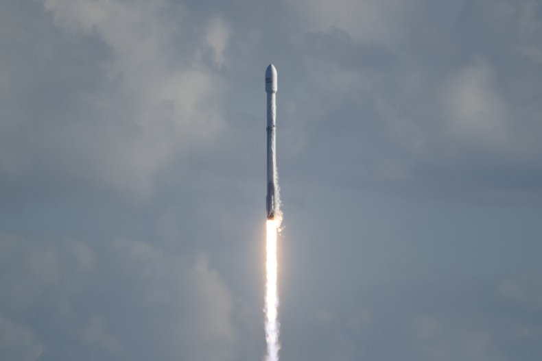2_5_SpaceX Falcon 9 GovSat