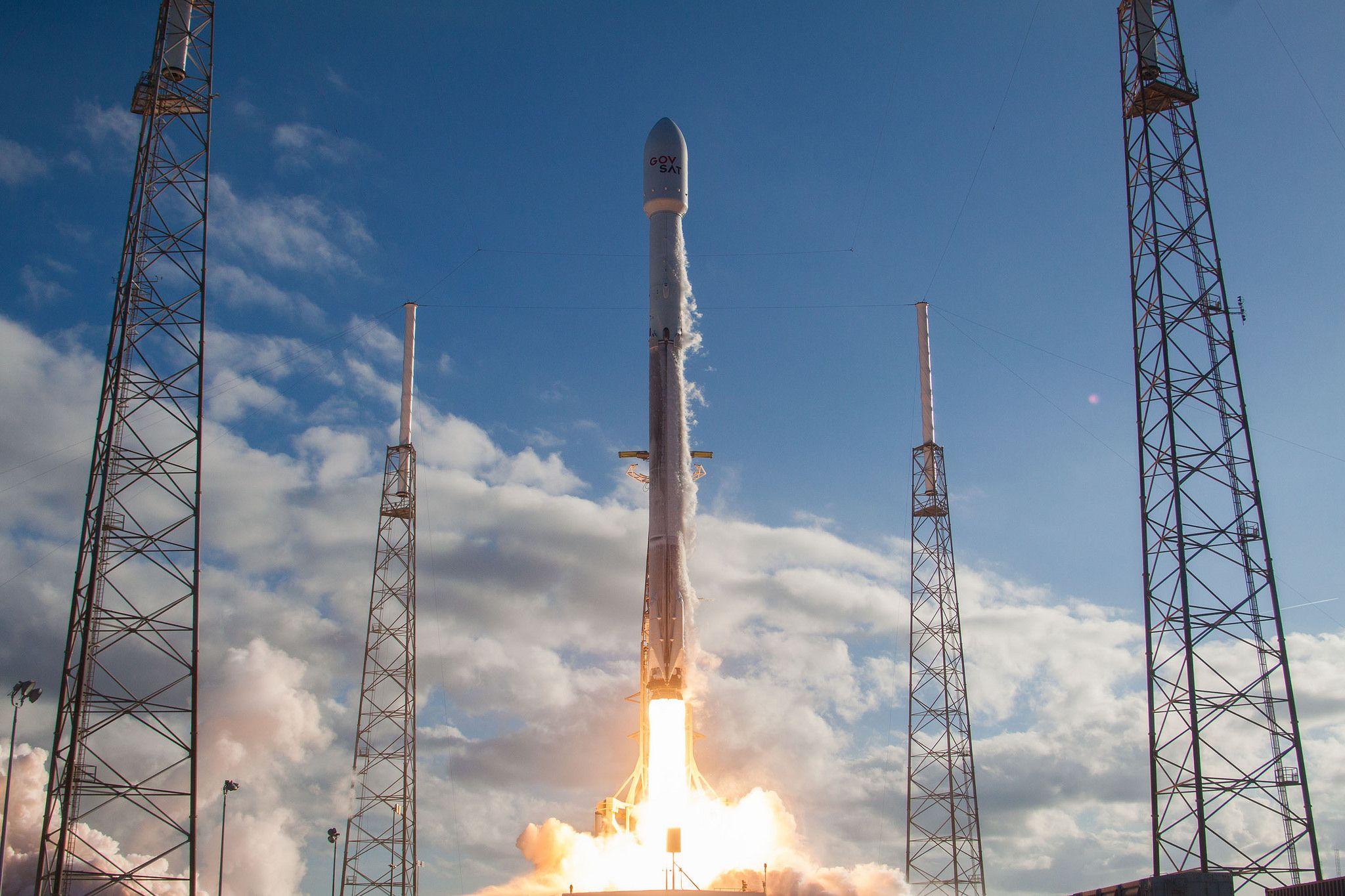 2_6_Falcon 9