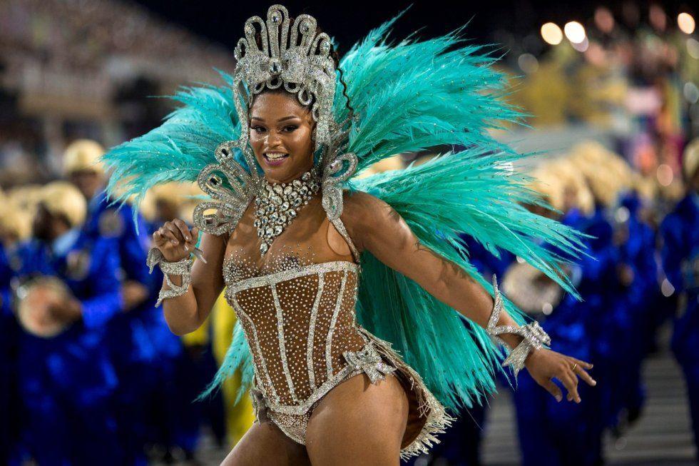 Rio Carnival 2014 In Photos: While The US Celebrates Mardi