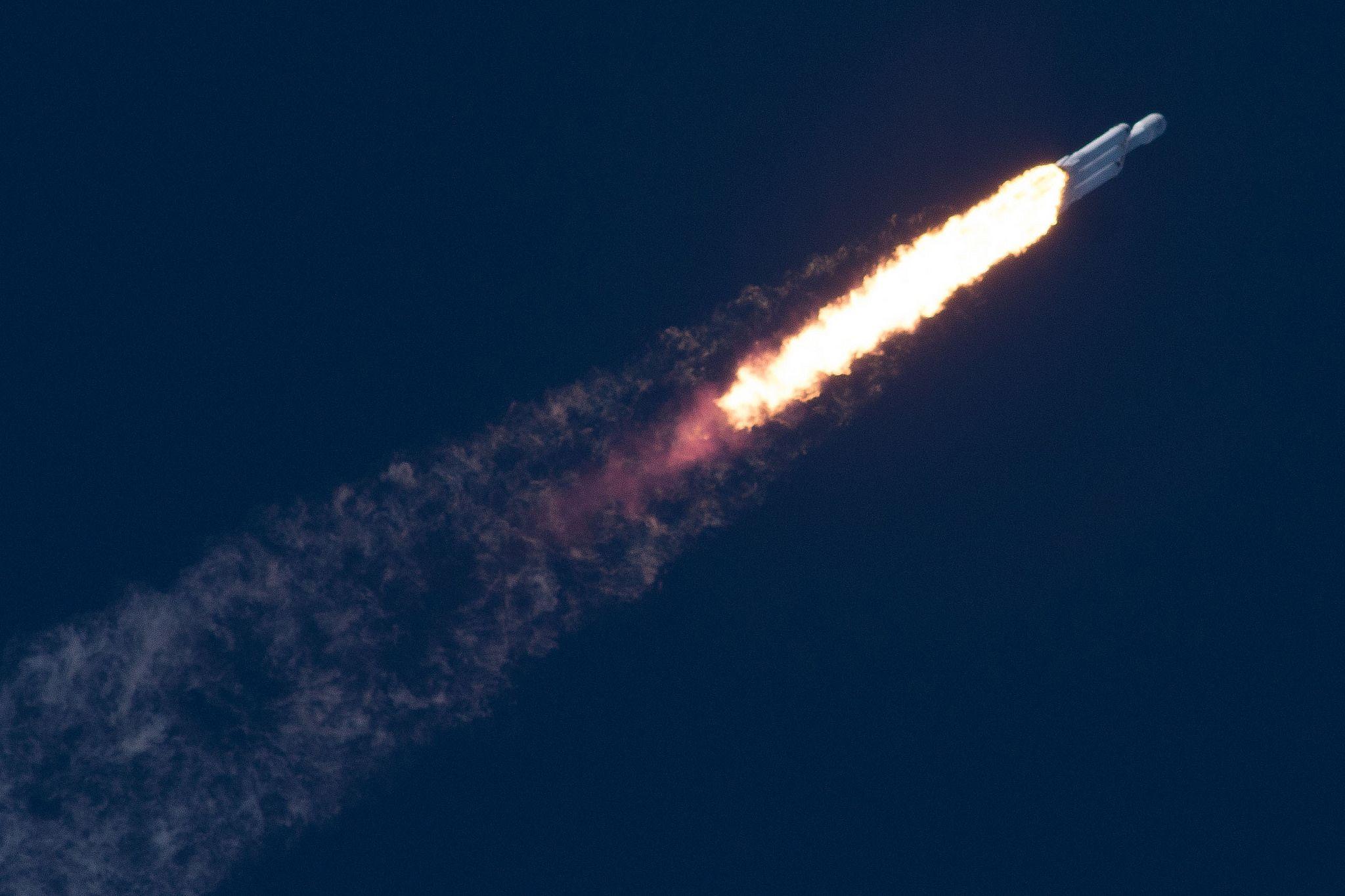 2_15_Falcon Heavy