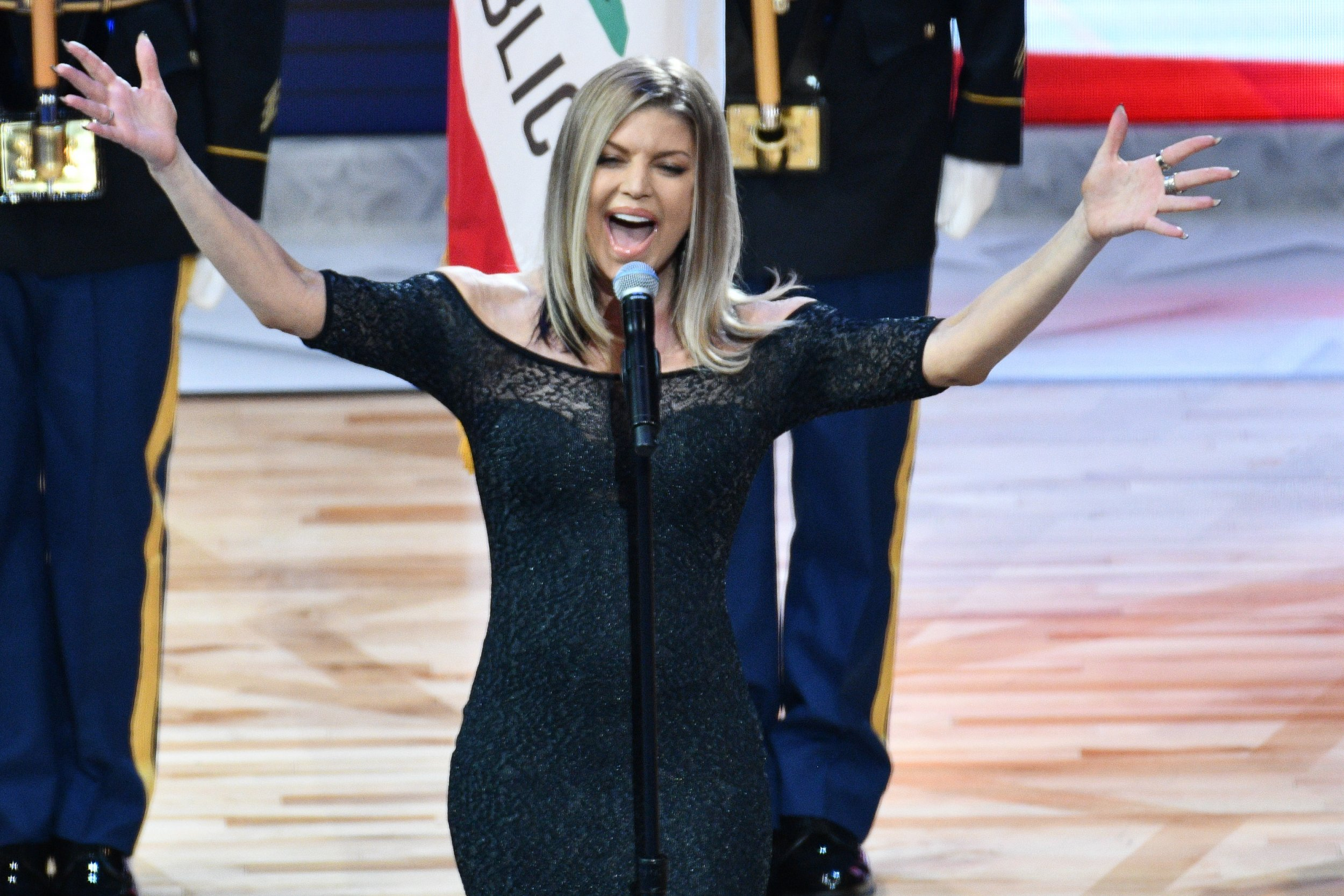 Fergie sings the national anthem