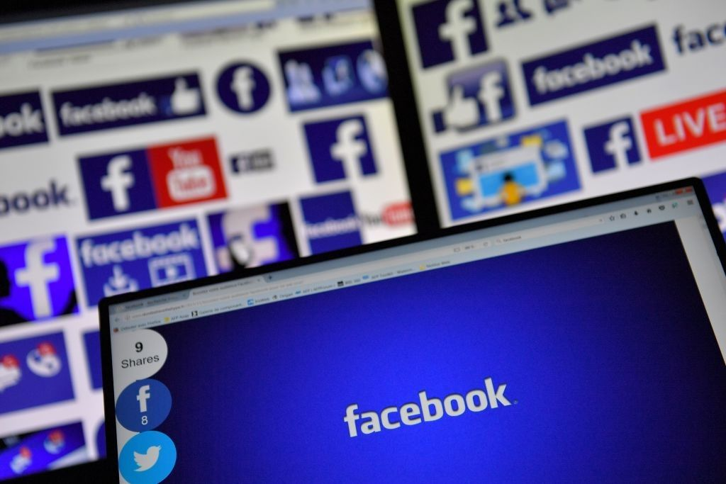 facebook fake news russian trolls