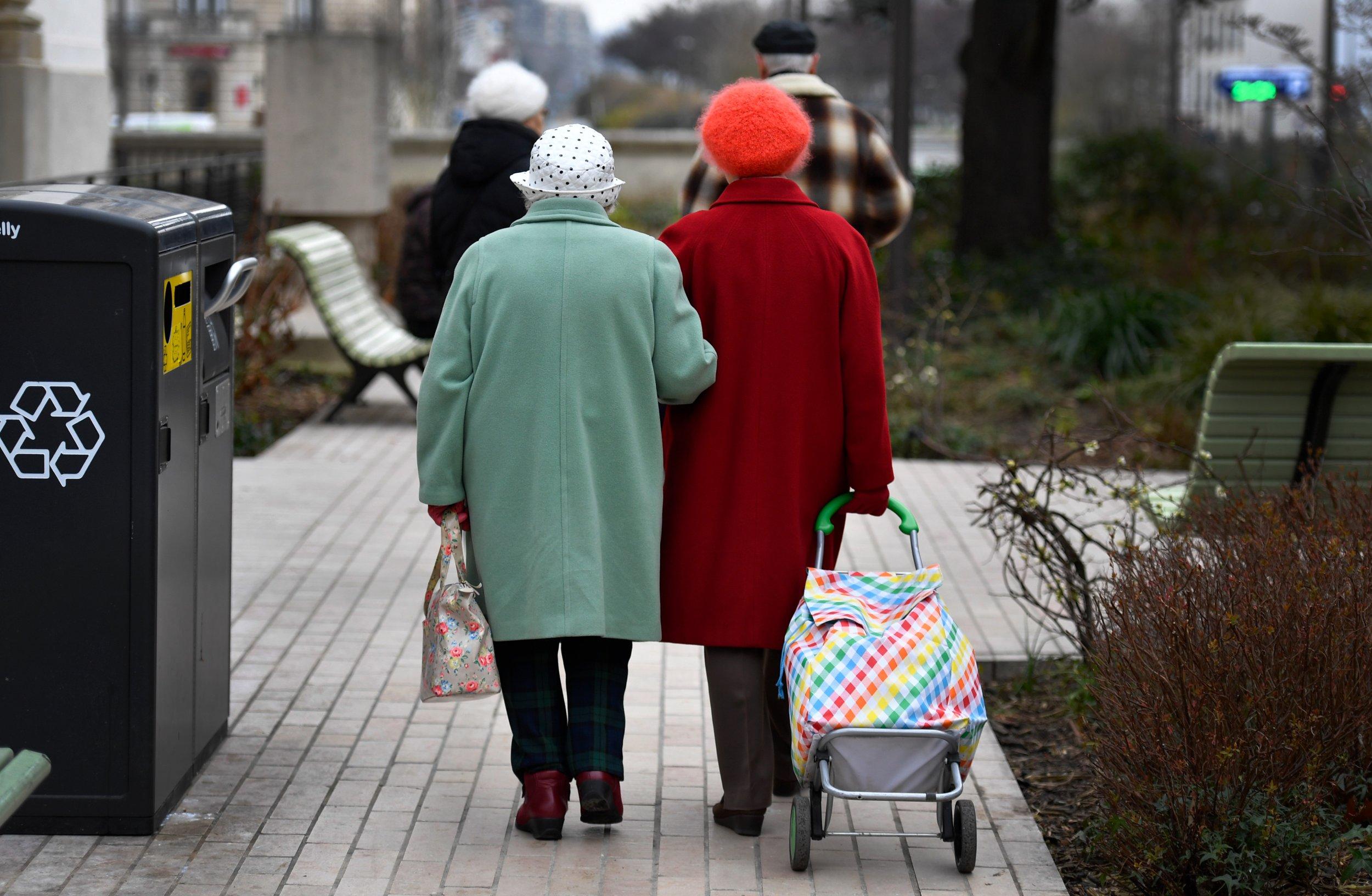 02_21_elderly