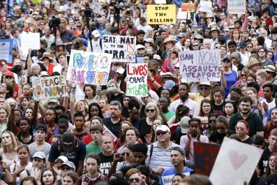 Florida-shooting-protest