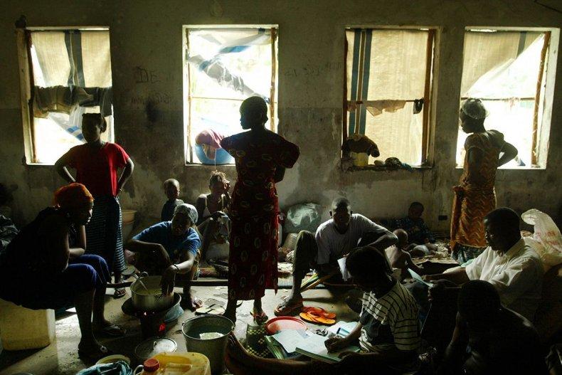 20030715 liberia families