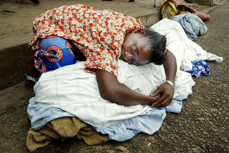 20030725 liberia woman