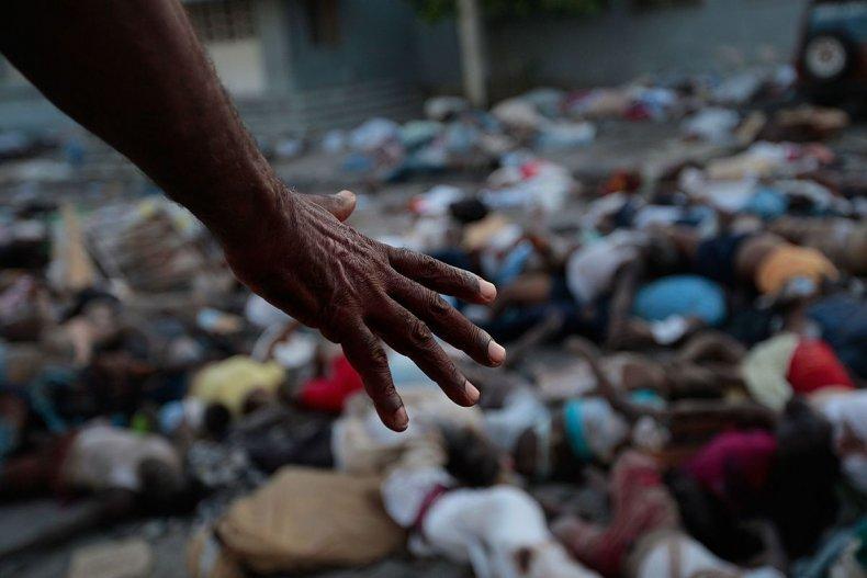 20100115 haiti bodies