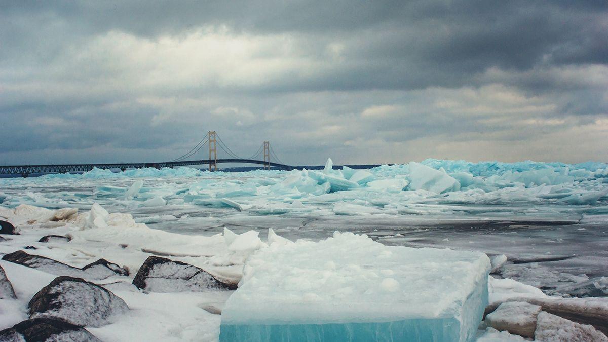 in the region of ice by In the region of ice é um filme de drama em curta-metragem estadunidense de 1976 dirigido e escrito por peter werner venceu o oscar de melhor curta-metragem em live.