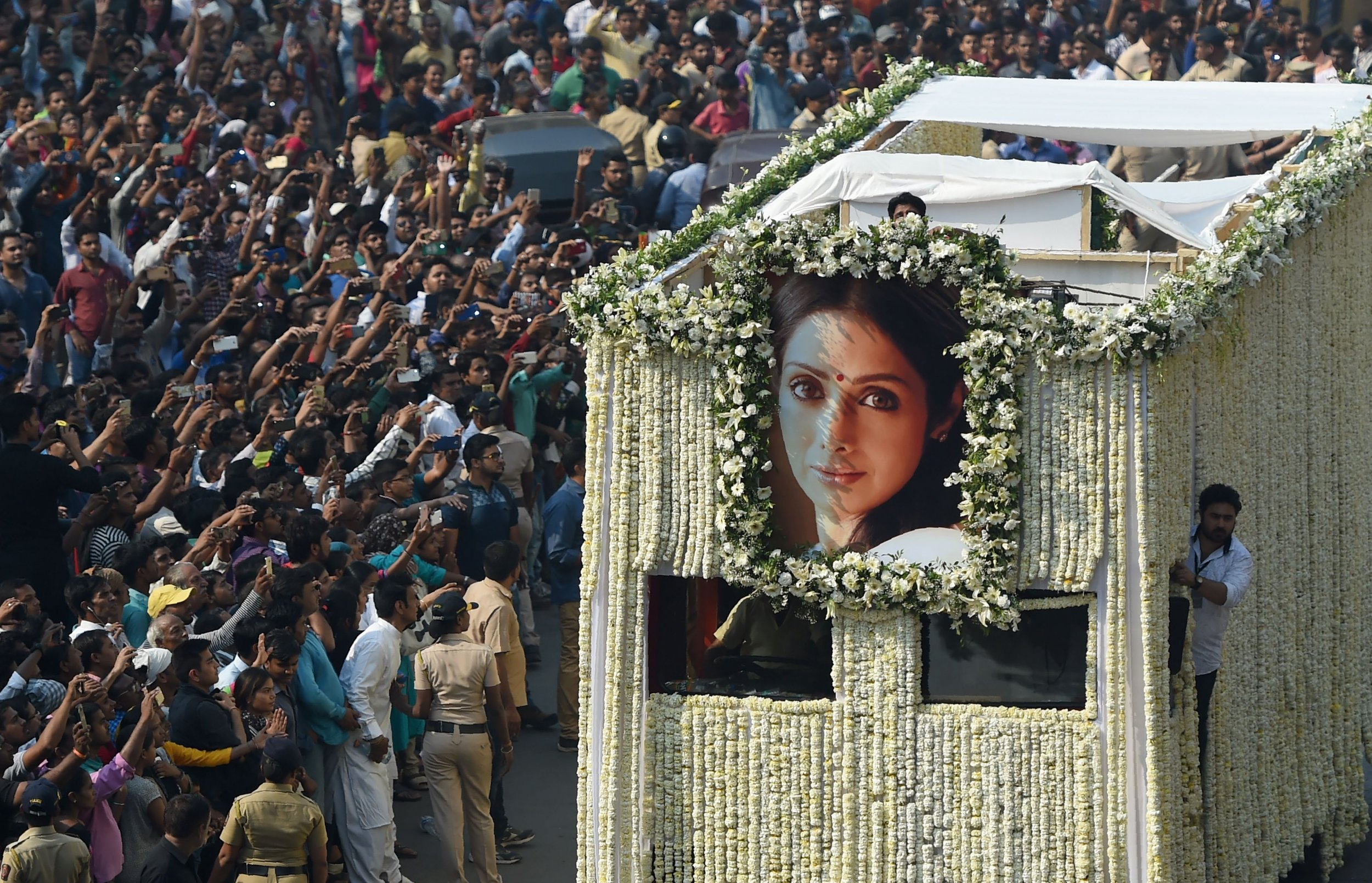 Sridevi funeral attracts thousands of mourners
