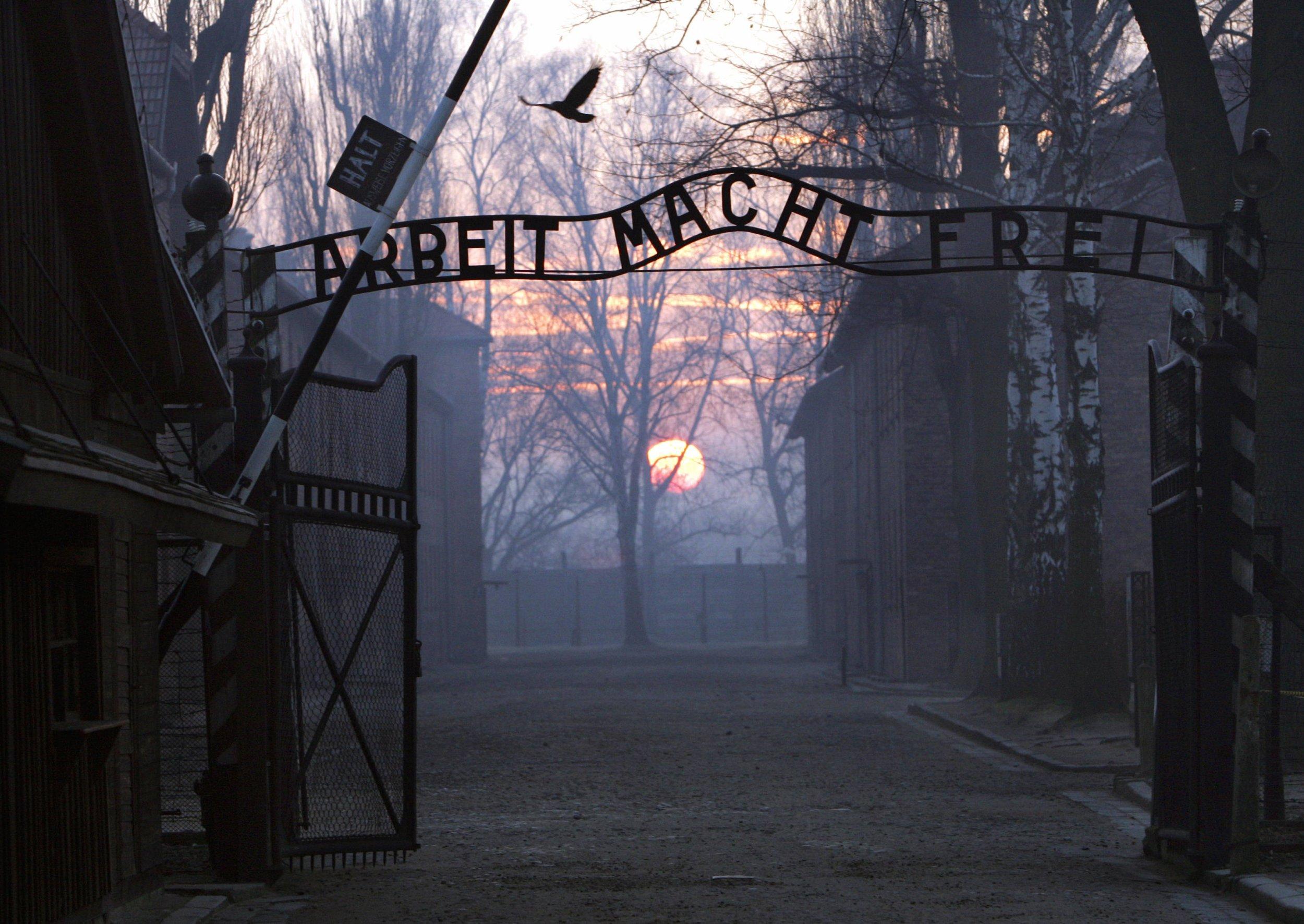 GettyImages-94739682 Auschwitz gates Arbeit macht frei