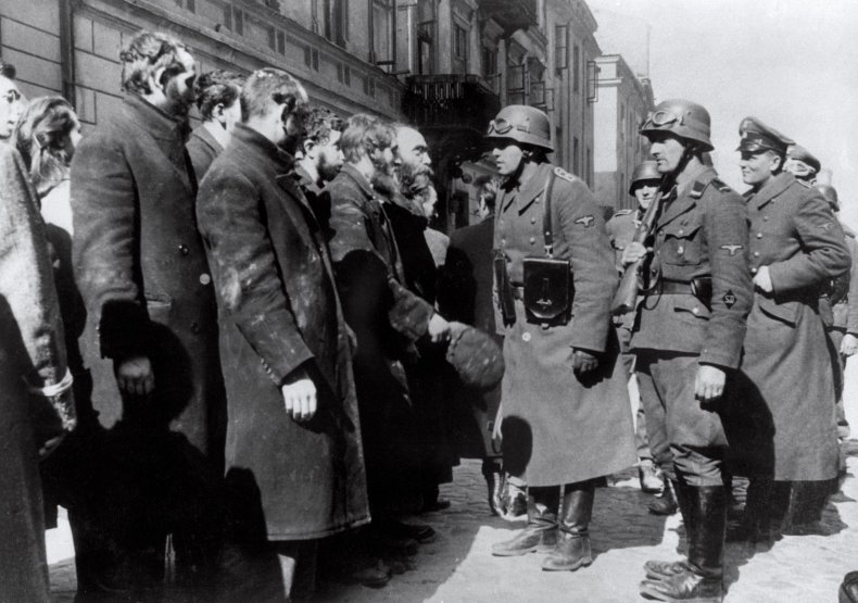 GettyImages-103933291 Warsaw Ghetto Nazis
