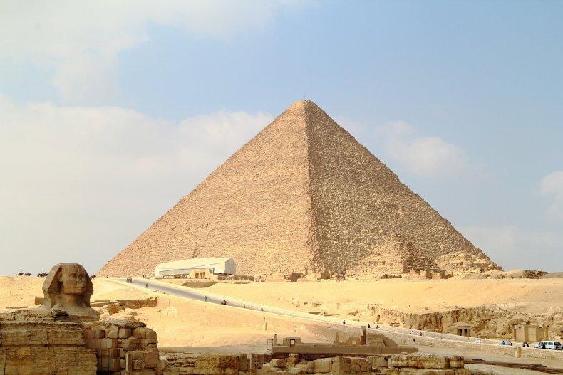 3_2_Pyramid of Giza