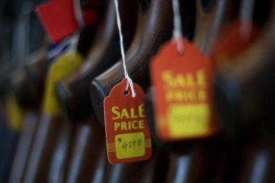GettyImages-866380872 Gun sale