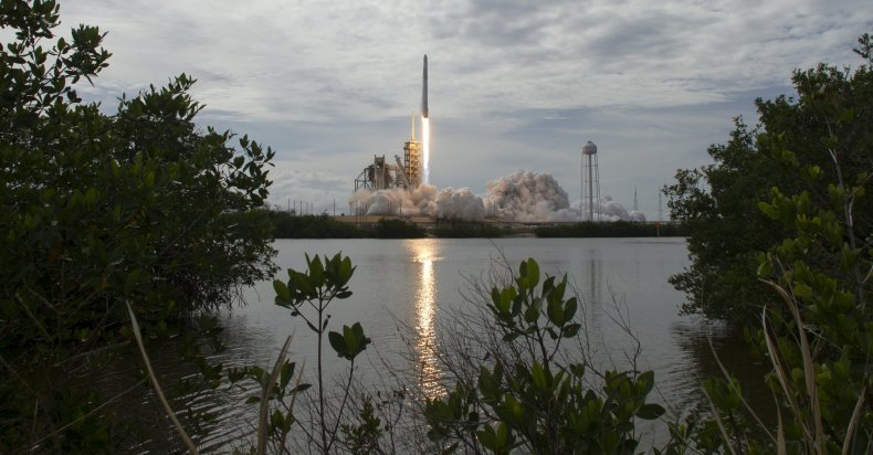 03_05_spacex_falcon9_launch