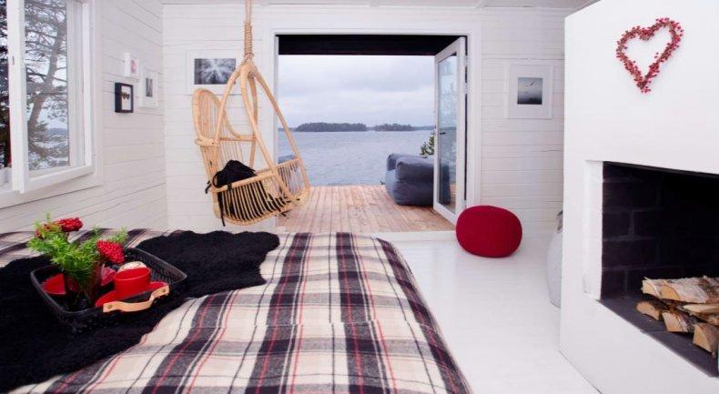 SuperShe cabin