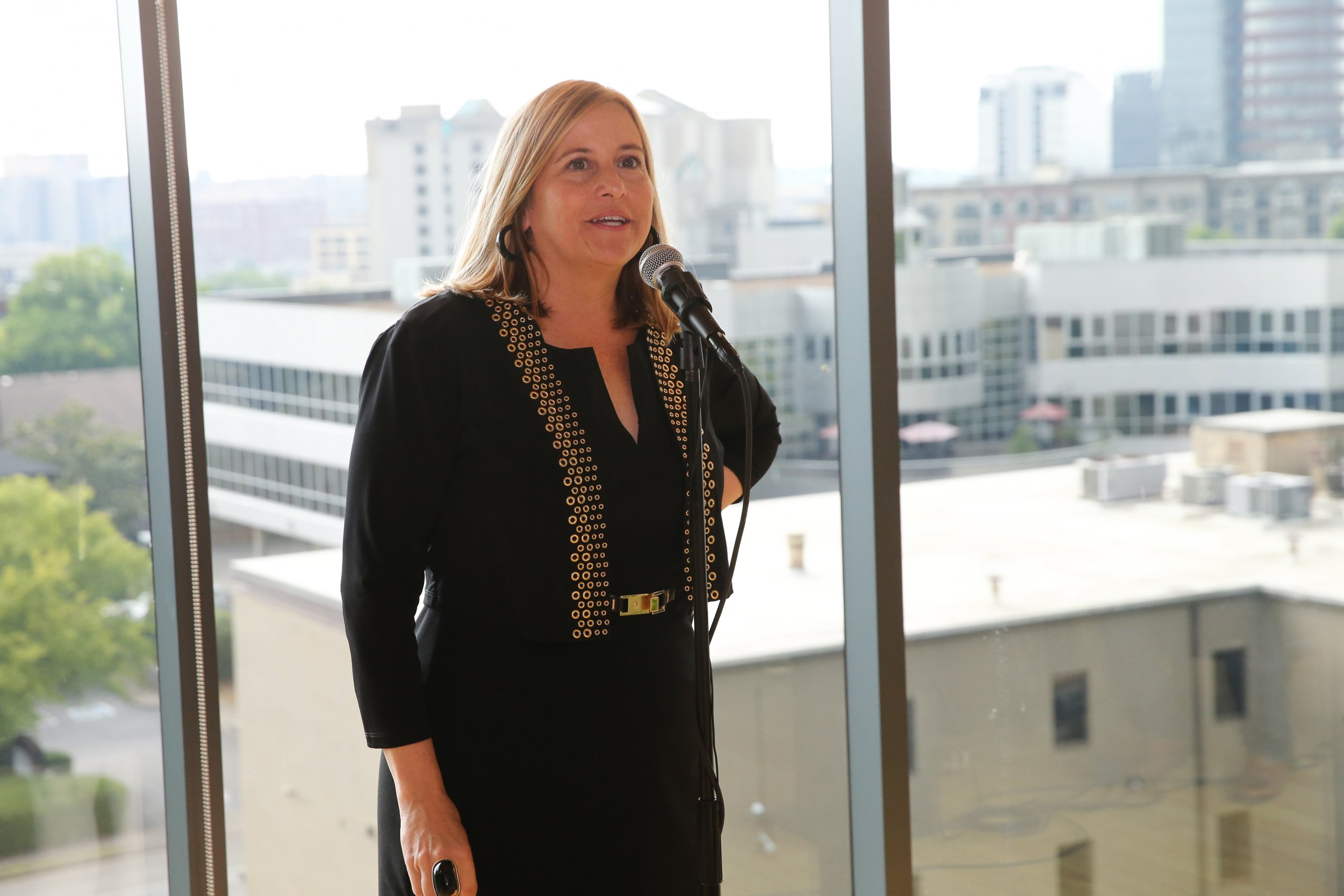 Nashville Mayor Megan Barry Resigns Pleads Guilty To Felony Theft After Affair With Her Bodyguard