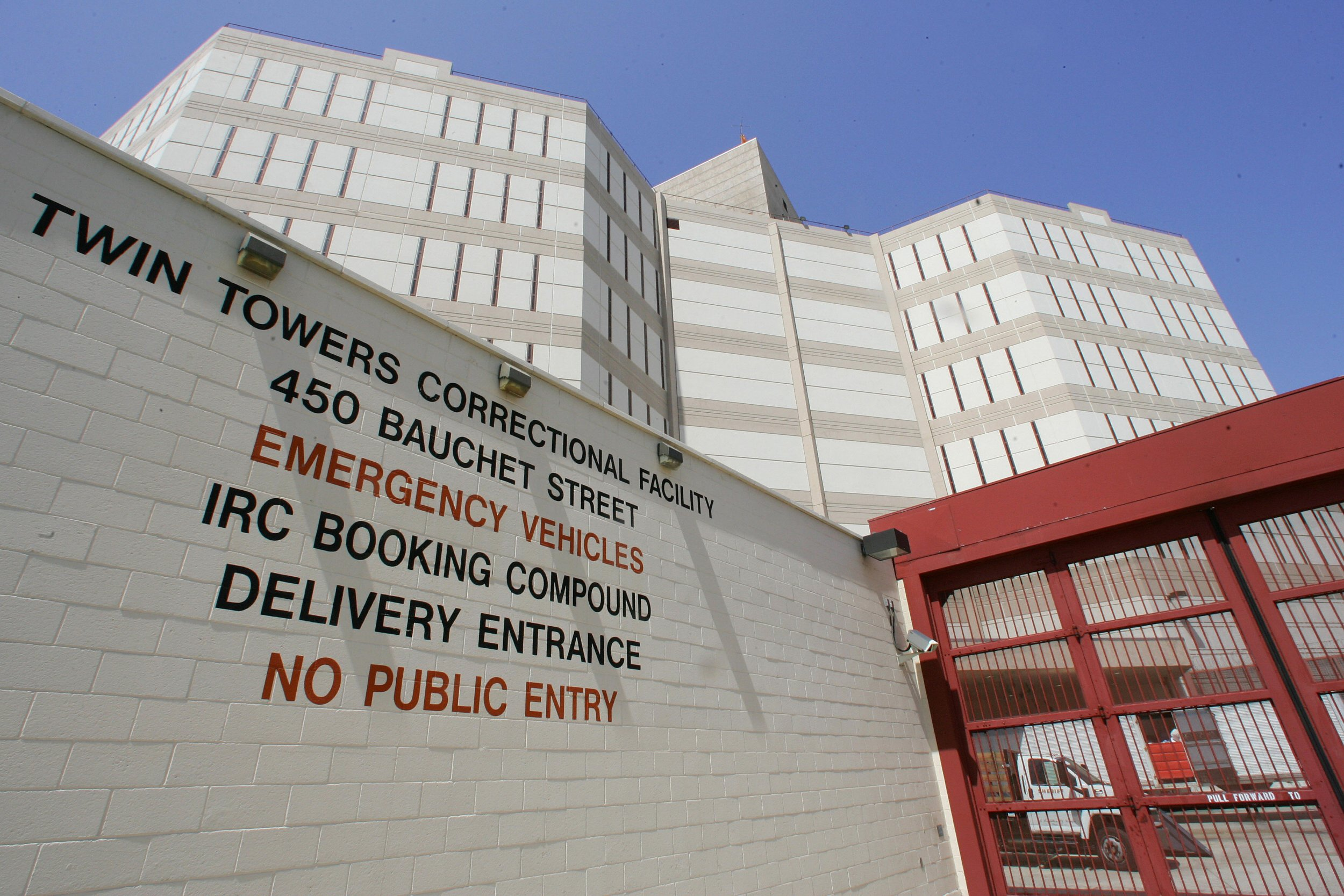 GettyImages-74455320 Twin Towers Correctional Facility in Los Angeles