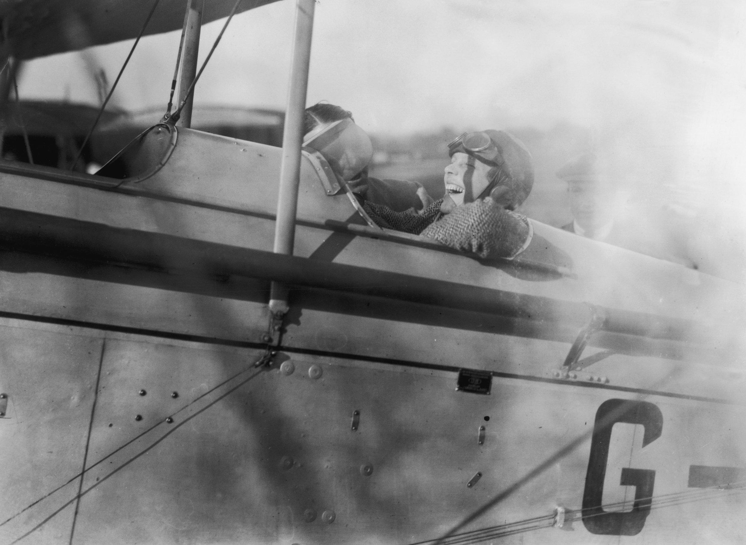 3_8_Amelia Earhart